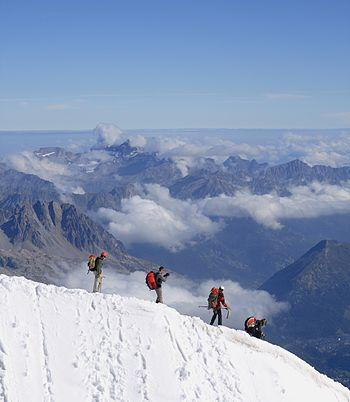 350px Alpinistes Aiguille du Midi 03