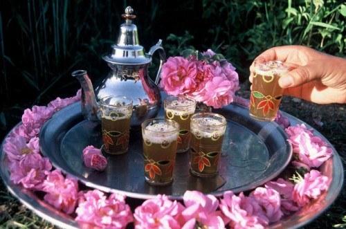 Come funziona rito del tè in Marocco