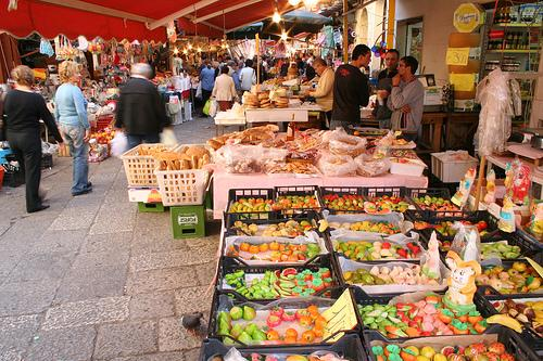 Mercato della vucciria a palermo viaggiamo - Il mercato della piastrella moncalieri orari ...