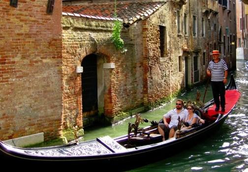 Quanto costa un giro in gondola a venezia viaggiamo for Quanto costa un giro in piscina per costruire