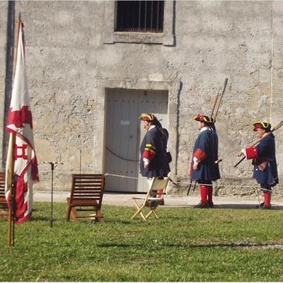 Il cortile e i cannoni del Castillo de San Marcos