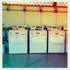Come fare la lavanderia mentre sei in viaggio