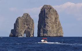 Come visitare i faraglioni di Capri