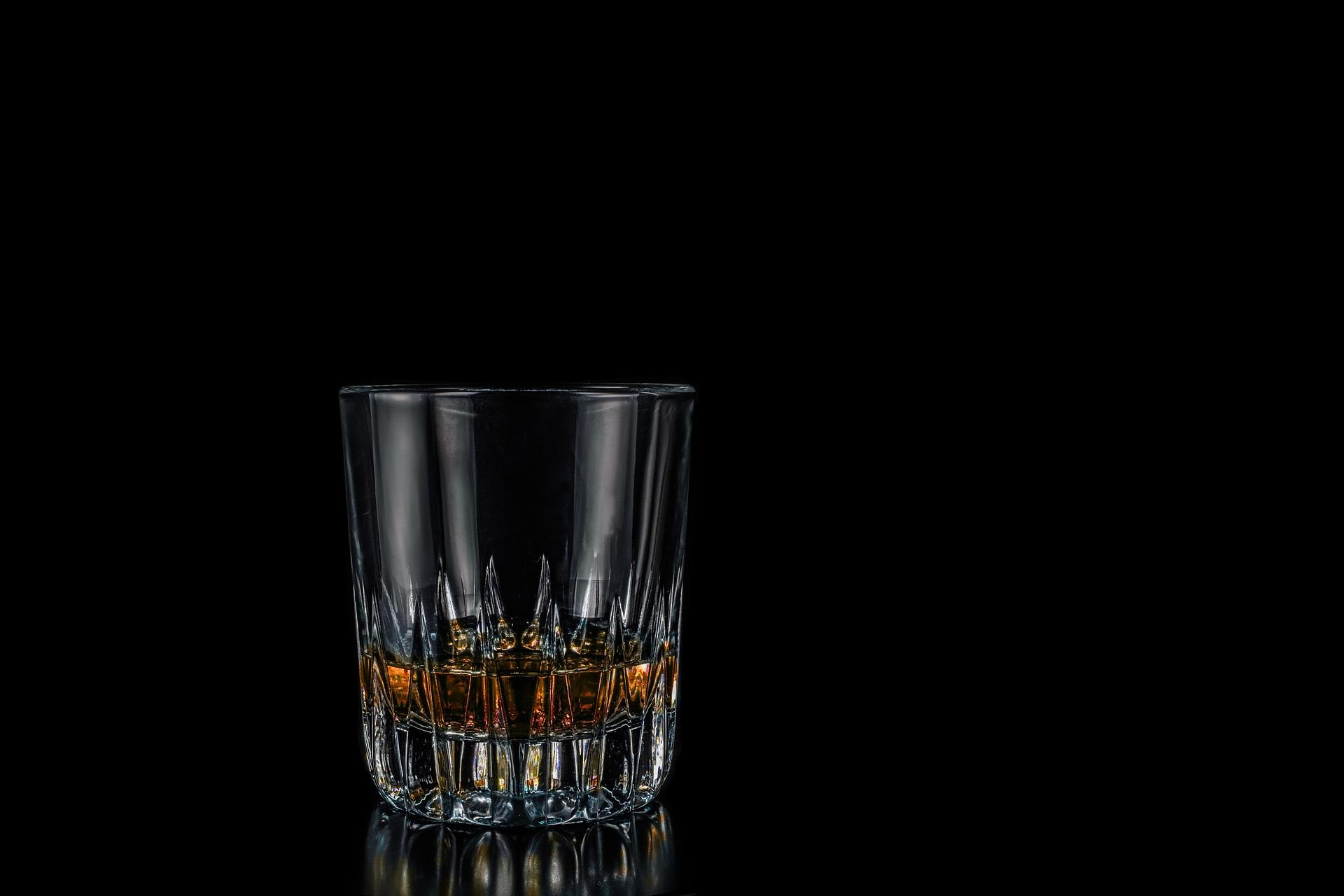 Qual è la differenza fra rum agricolo e rum industriale