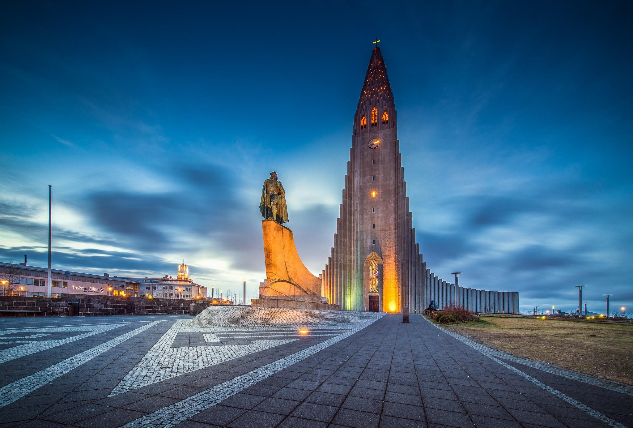 hallgrimskirkja church reykjavik iceland hatlgrims 2048x1384 www.GdeFon.ru