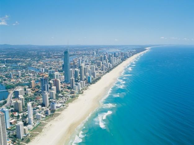la spiaggia di surfers paradise