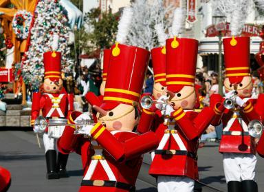 Disneyland ChristmasFantasyParade