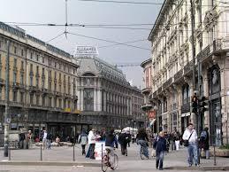 Come arrivare a piazza Castello a Milano
