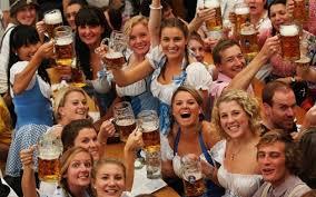 La festa della birra di primavera a Monaco di Baviera