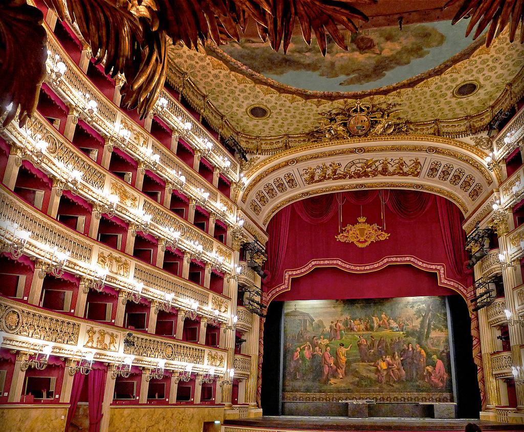 Visita al Teatro San Carlo di Napoli