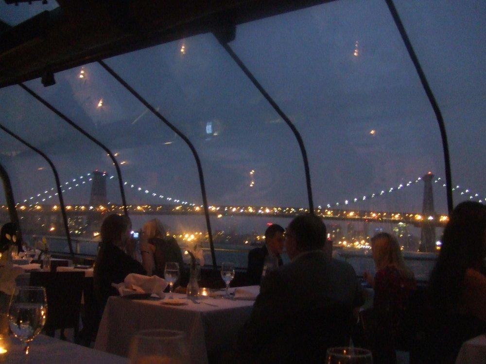Crociera romantica sul Bateaux San Valentino a New York