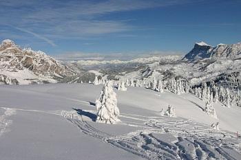 sass dla crusc und sassongher in winter traum landschaft