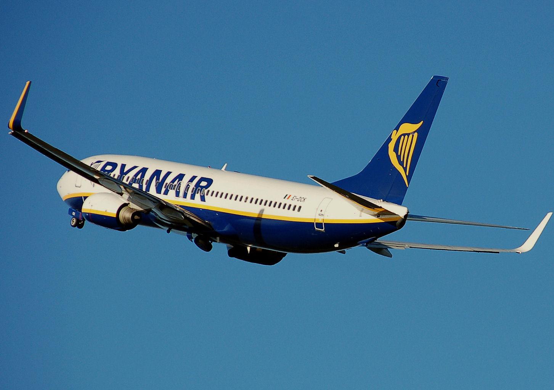 Ryanair b737 800 aftertakeoff arp