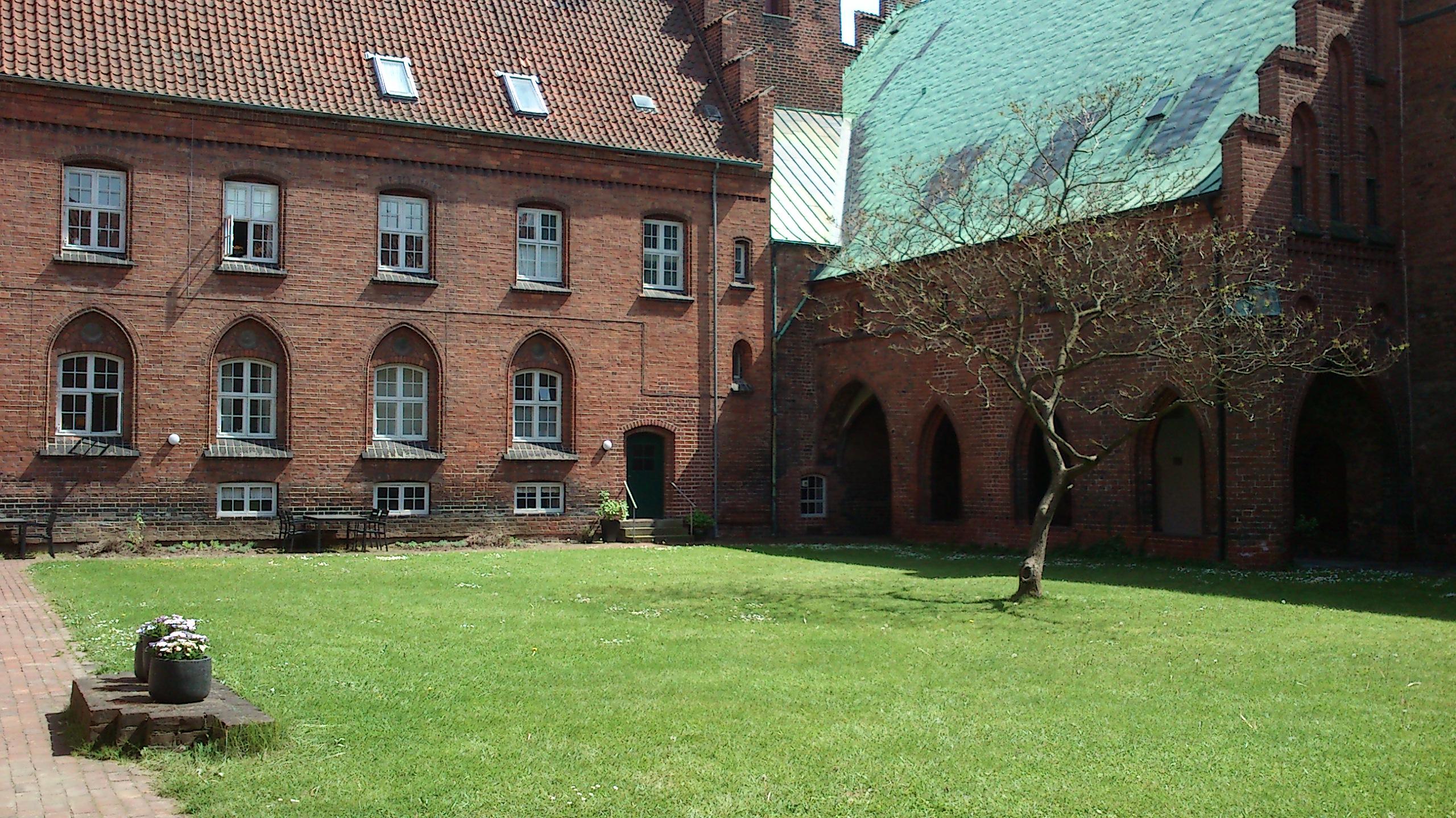 Vor Frue Kloster 4