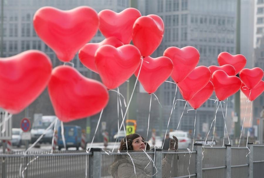 pb 120214 balloons berlin ps photoblog900