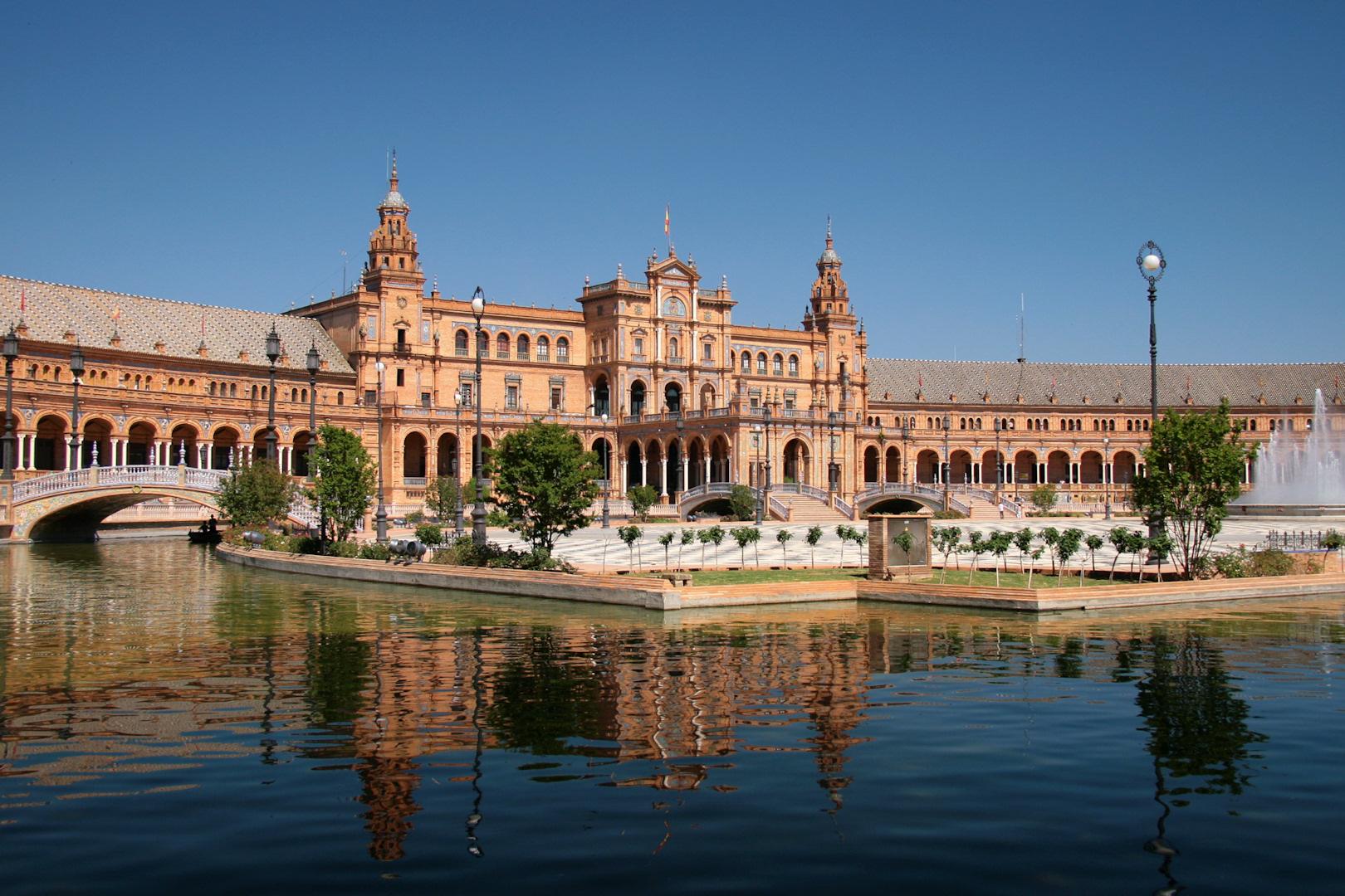 Cinque motivi per preferire Siviglia a Barcellona
