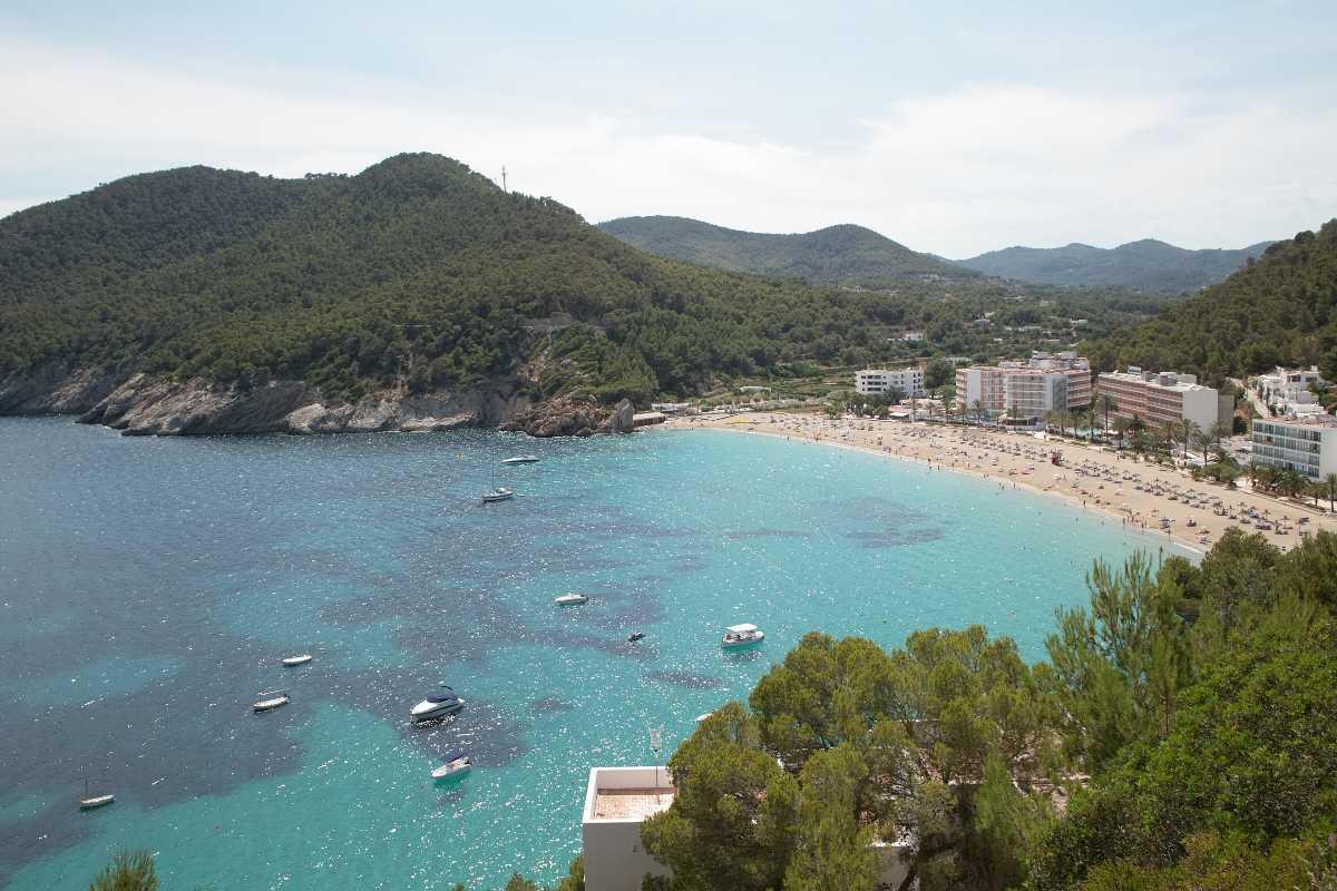 Video villaggio Veraclub Ibiza Cala San Vicente ideale bambini