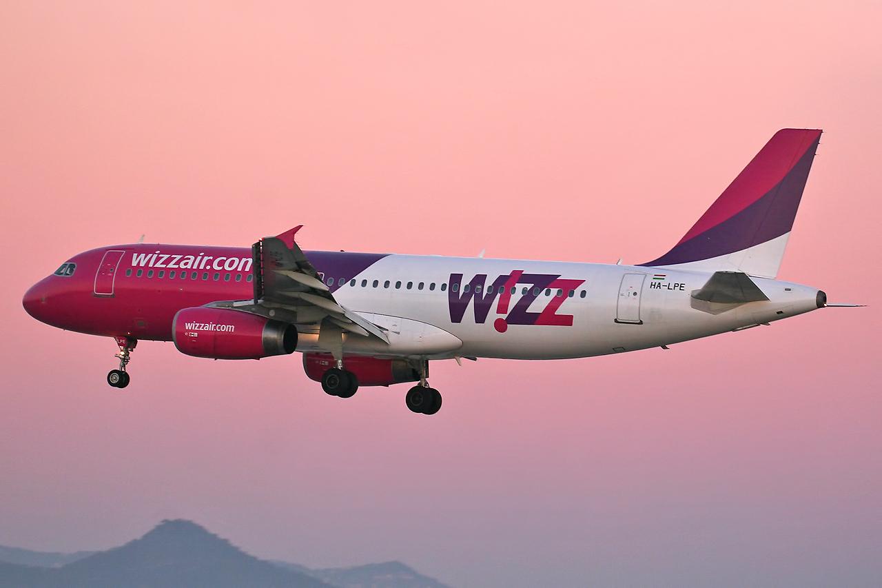 Airbus A320 233 Wizz Air HA LPE 8399569664