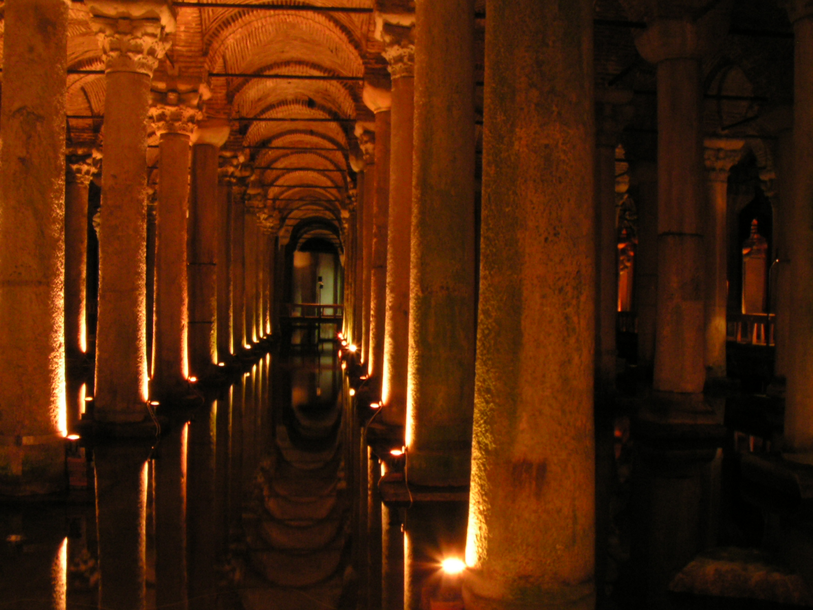Istanbul   Basilica Cistern   01