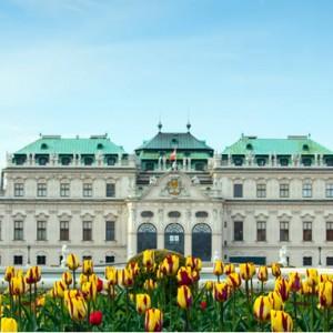 Cinque motivi per visitare vienna in primavera viaggia for Dove soggiornare minorca