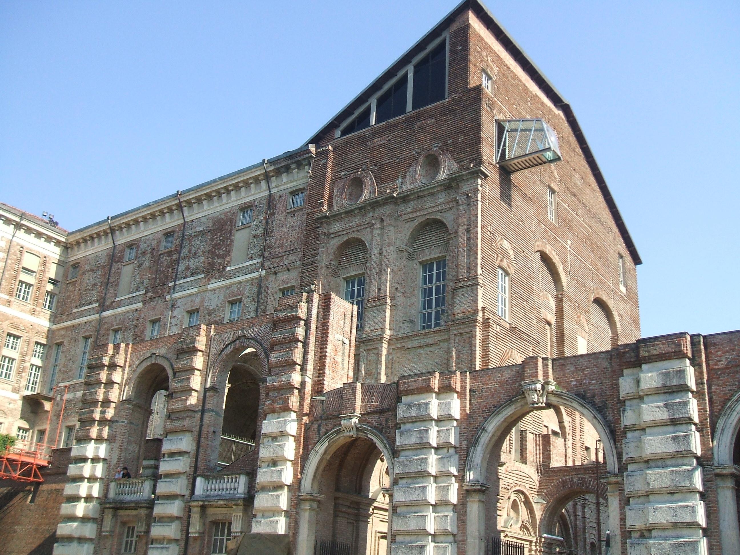 Letti A Castello Negozi Torino : Come arrivare al castello di rivoli