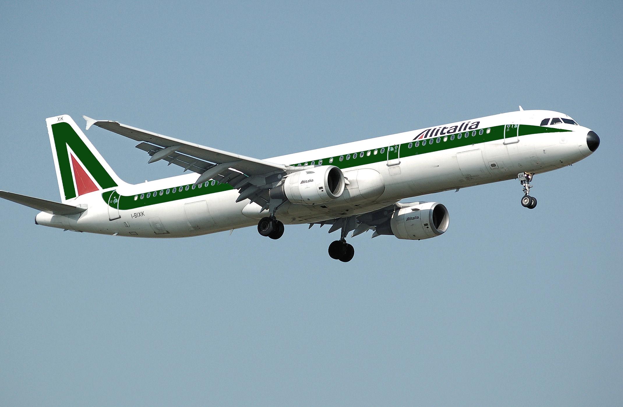 Come cambiare nominativo biglietto aereo Alitalia