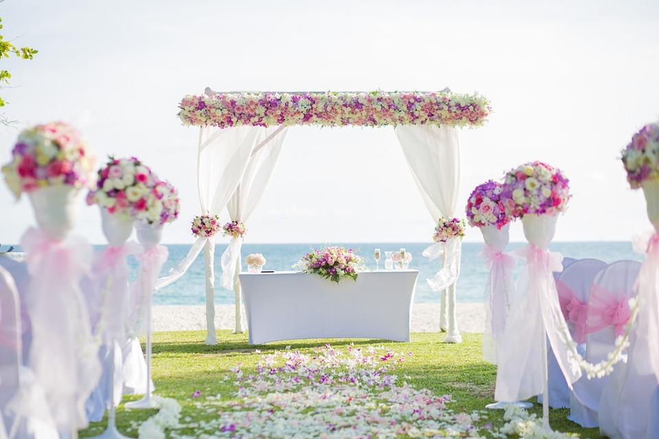 Matrimonio In Spiaggia Rimini : Riccione aumentano i matrimoni con rito civile e in estate nozze in