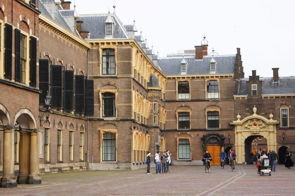 Gli edifici del Parlamento olandese a LAia © Andrea Lessona 940x625