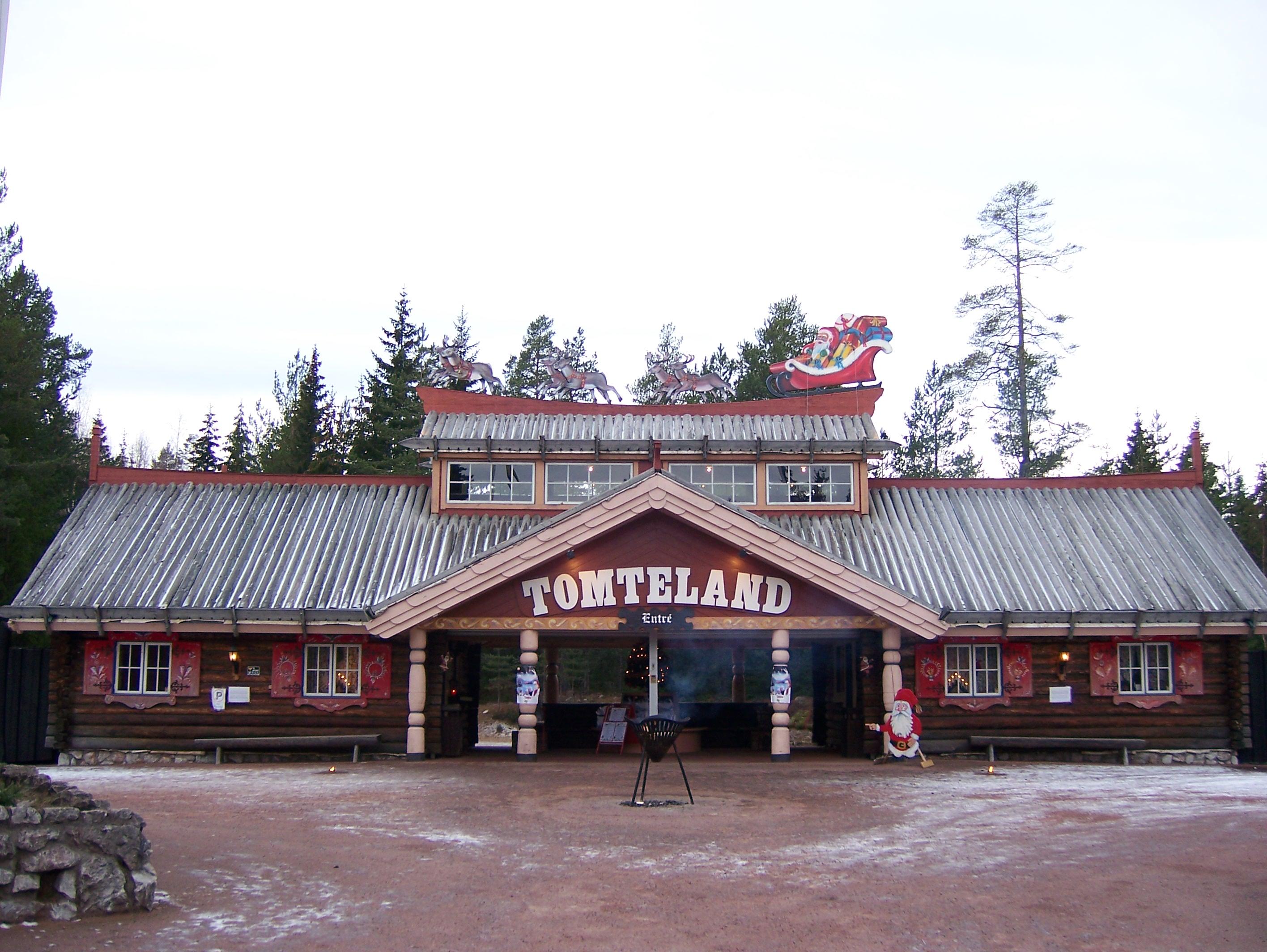 Tomteland entrance