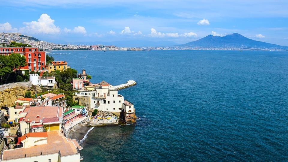 Bagni Rocce Verdi Napoli : Dove andare al mare a napoli le spiagge scelte dai partenopei