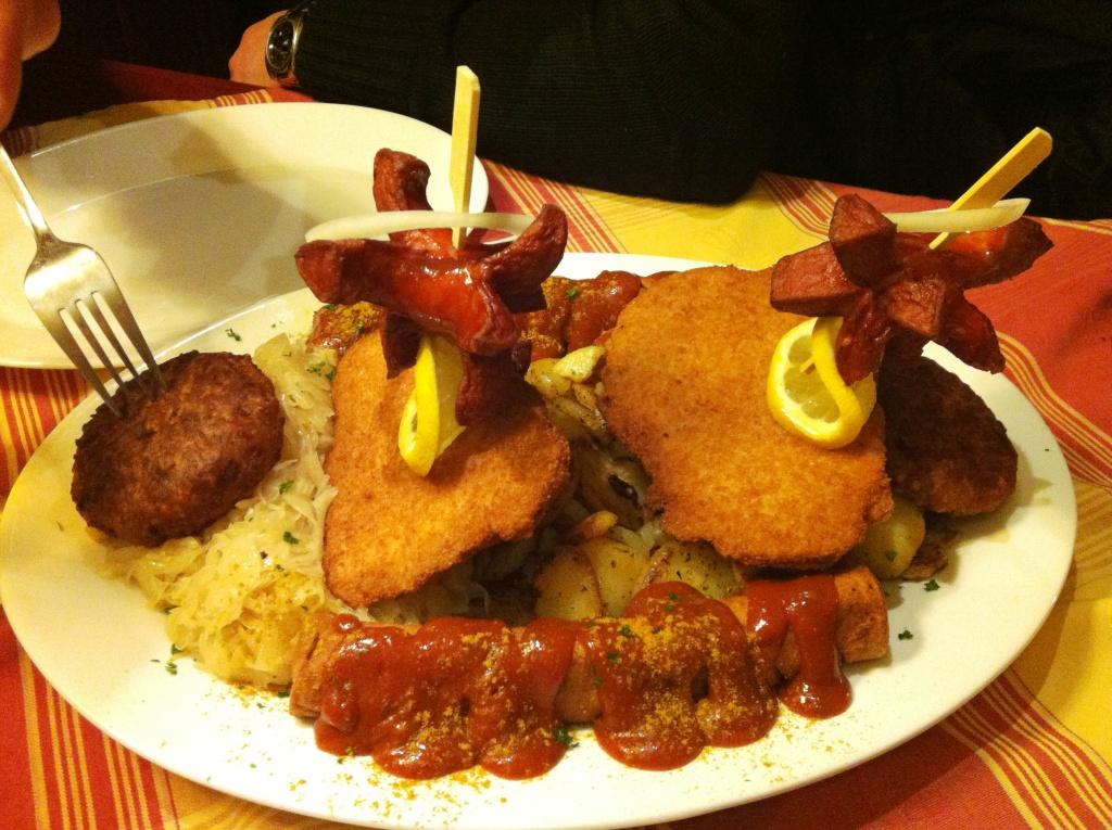 5 piatti locali con wurstel berlino for Mangiare tipico a roma