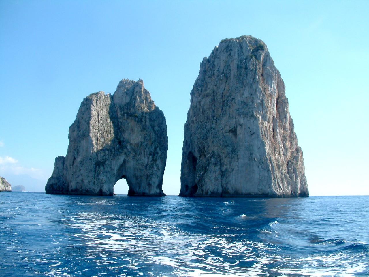 Capri skaly Faraglione
