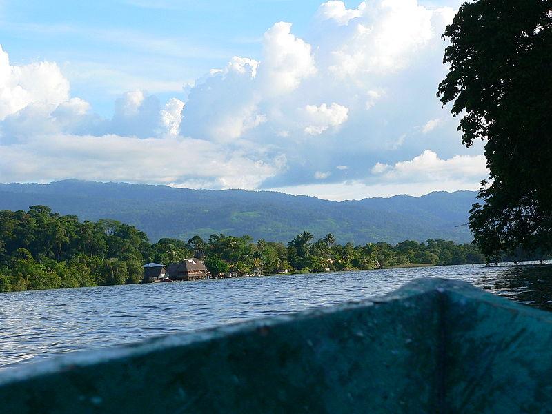 800px Rio Dulce   Guatemala 2