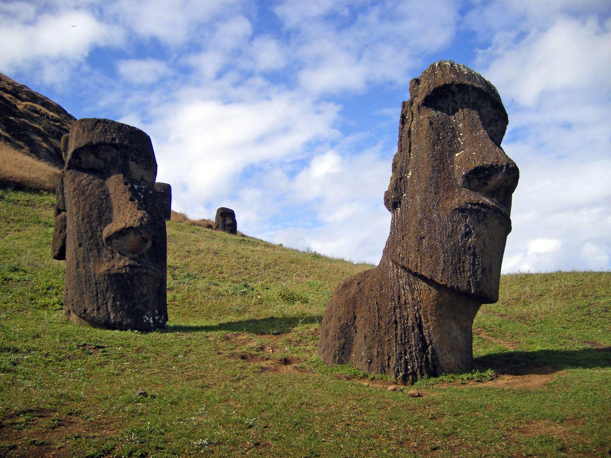 Easter Island 9 1 2000x1500