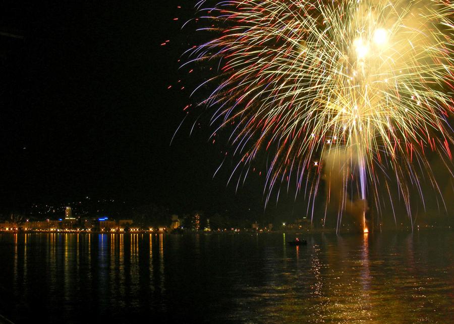 Dove vedere fuochi d'artificio ferragosto 2015 sul lago di Garda
