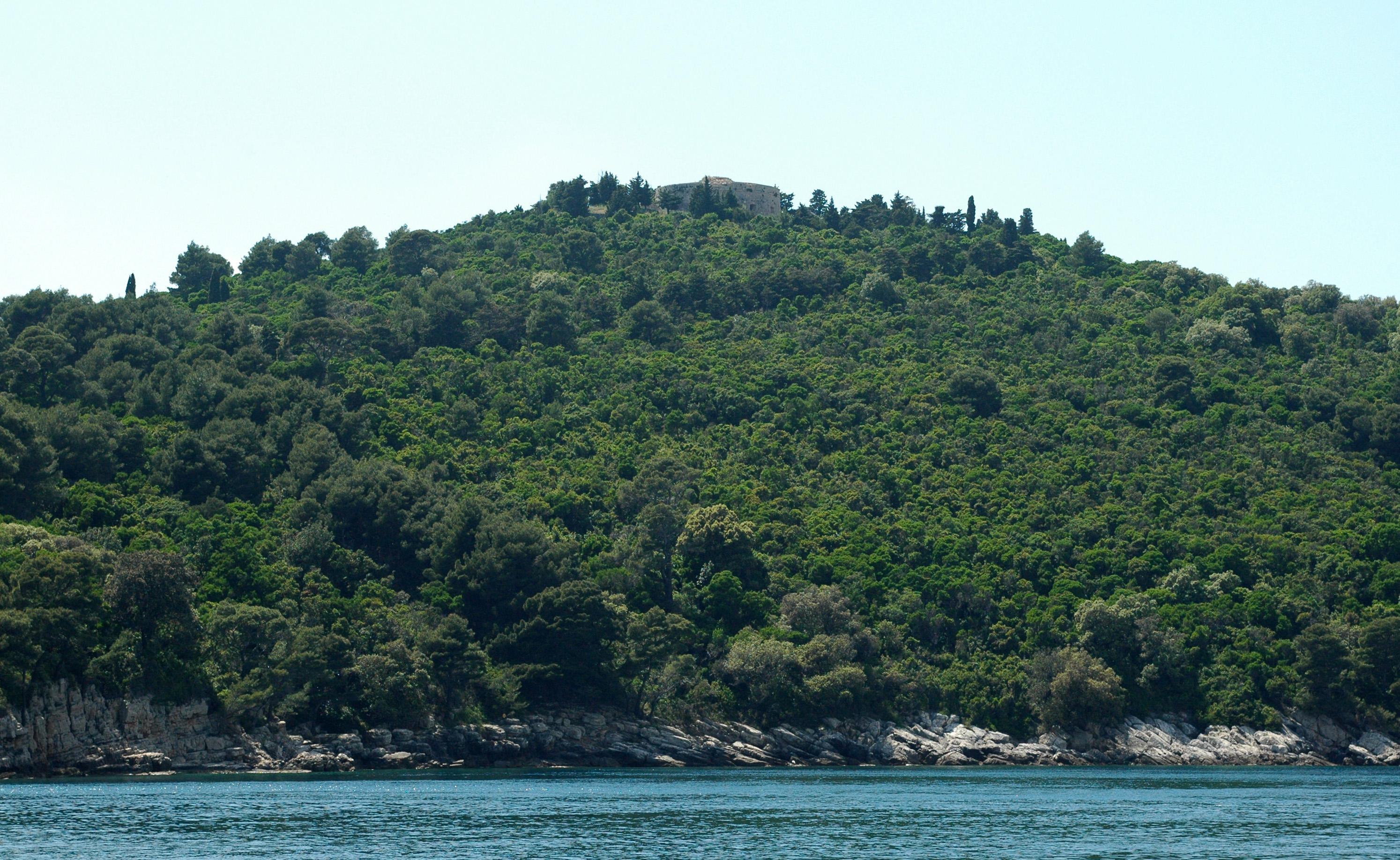 ile lokrum 018 fort royal vu depuis mer 2010 05 25