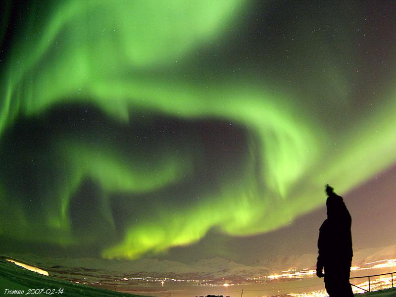 1442650 aurora display tromso 20070214 pete lawrence