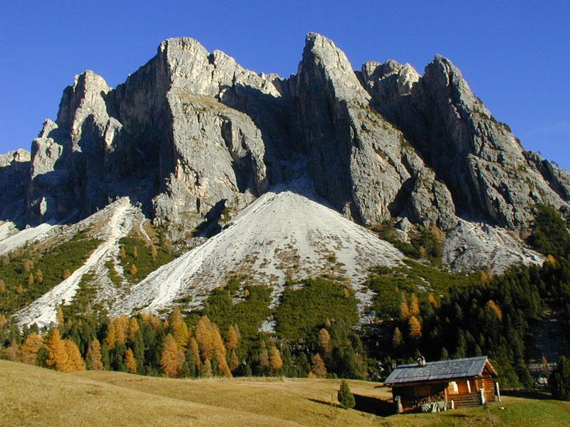 Perché andare in montagna in autunno