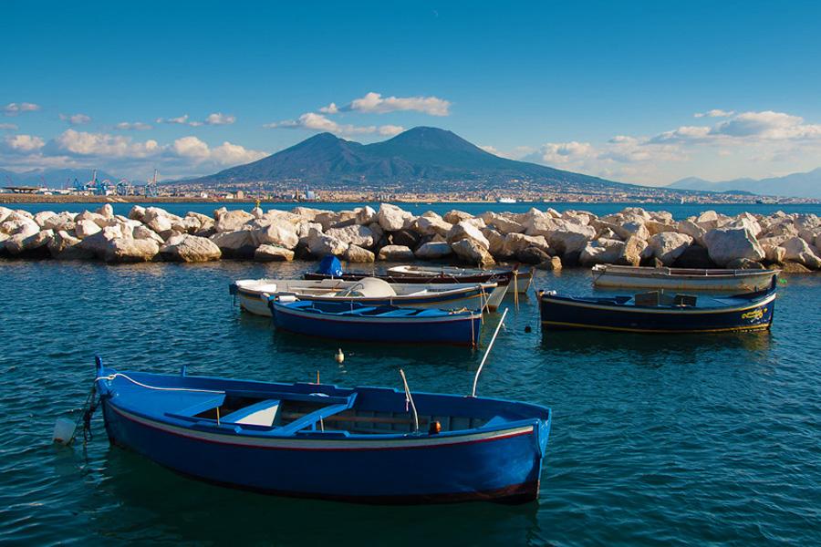 Prezzo noleggio barca napoli viaggiamo for Dove soggiornare a napoli