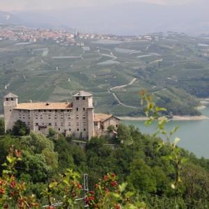 Visita al Castel Cles sul Lago di Giustina