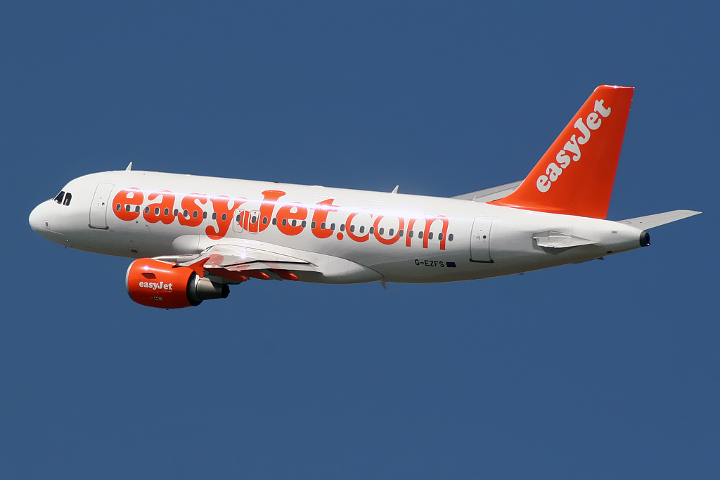 Airbus_A319_Easyjet