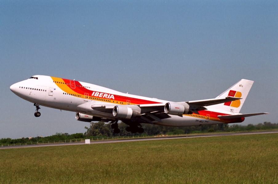 regalare biglietto aereo Iberia