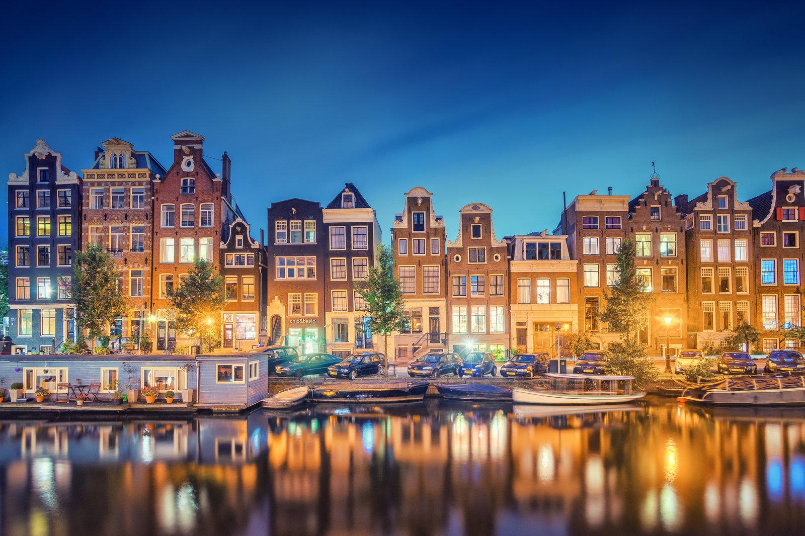 quanto costa mangiare in un ristorante di Amsterdam