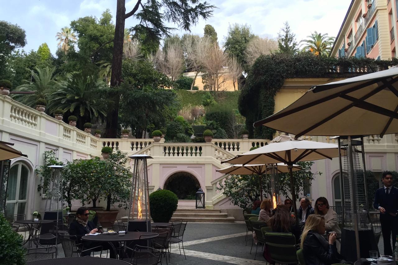 Stravinskij Bar, Roma