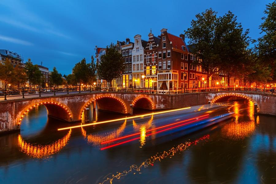 10 motivi per visitare amsterdam a natale for Amsterdam capodanno offerte