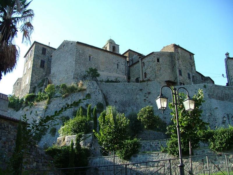 Come visitare Rocca Monaldeschi della Cervara, Lazio