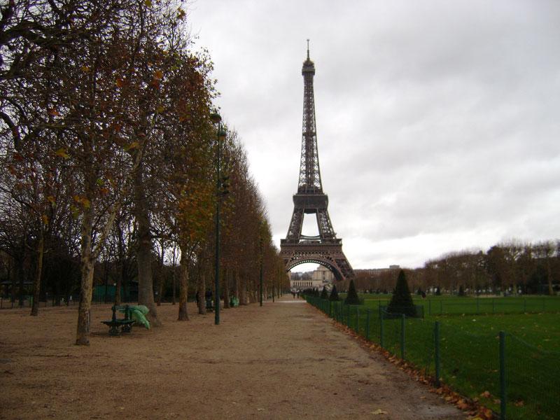 Come vestirsi a marzo a Parigi