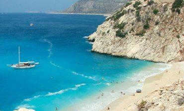 Al mare in Antalya, la perla della costa mediterranea della Turchia