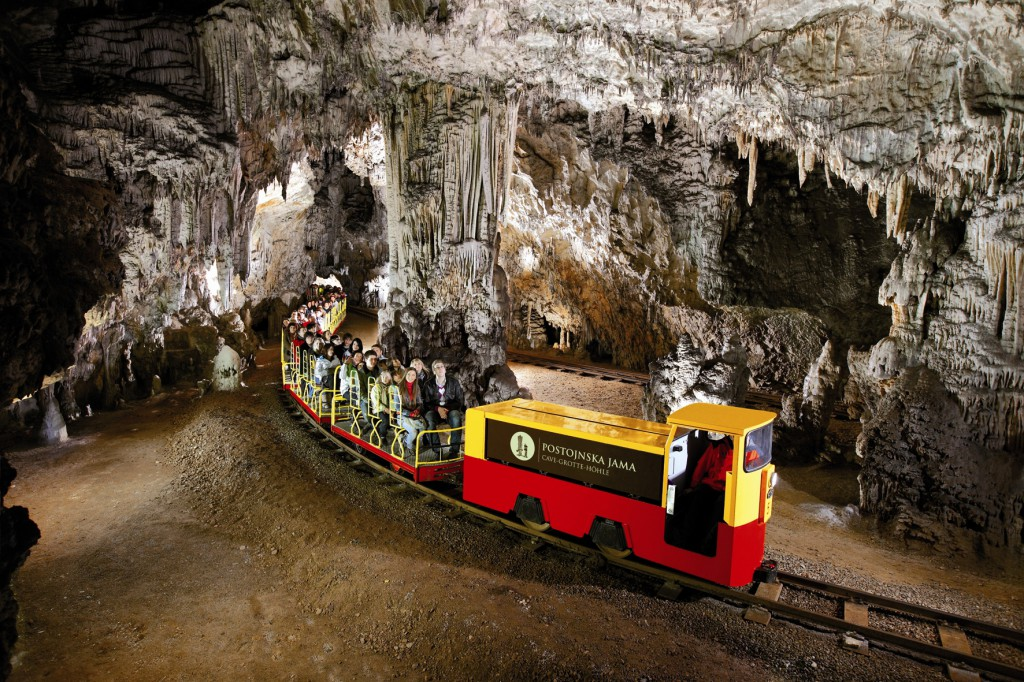 Quanto costa biglietto trenino per Grotte Postumia