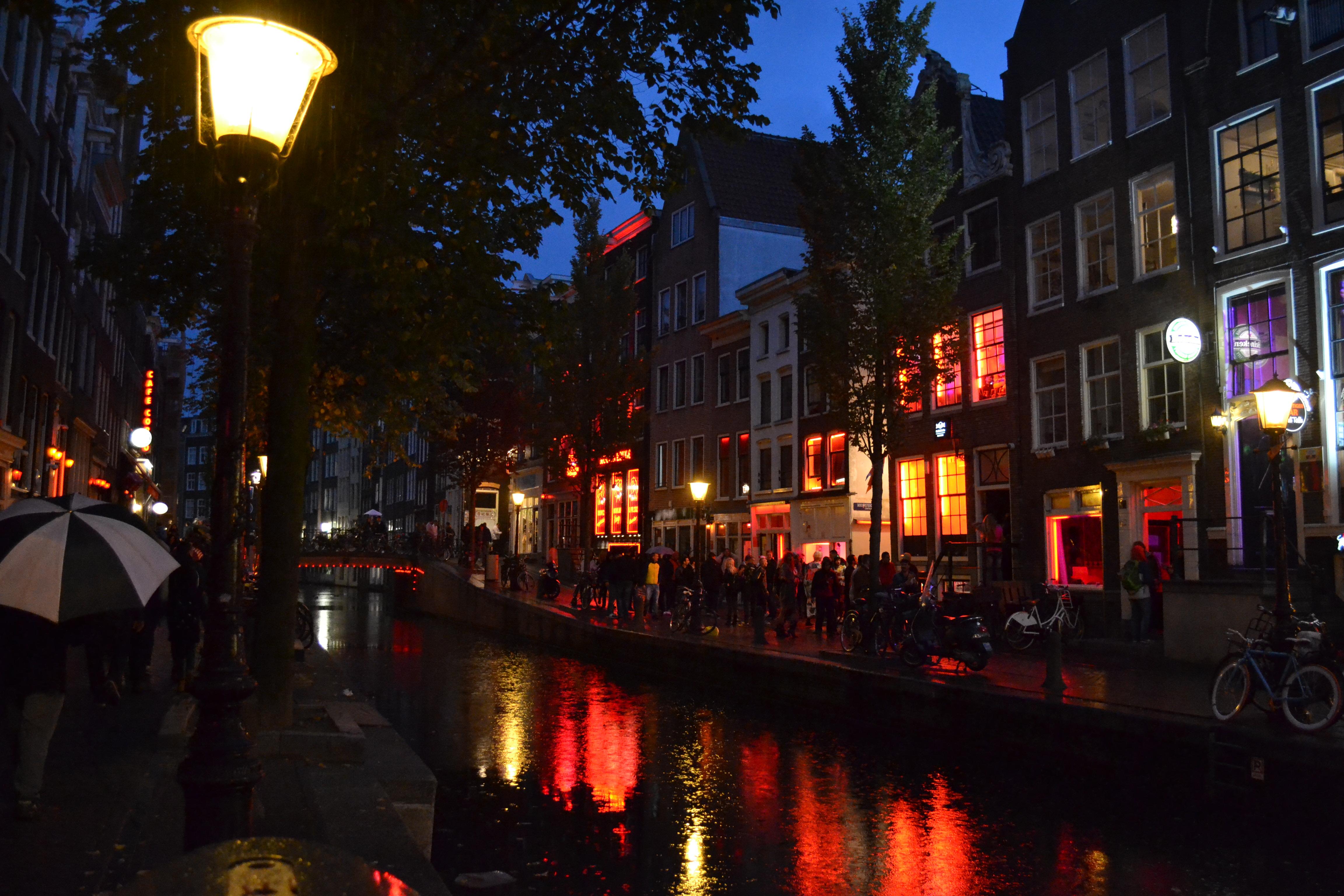 Come arrivare al quartiere luci rosse amsterdam dal centro for Centro di amsterdam